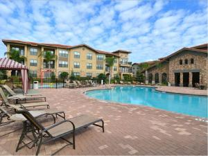Enchanted Bella Piazza - Three Bedroom Condominium 813, Apartments  Davenport - big - 8