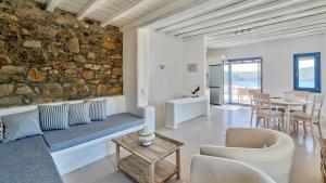 Mykonos Panormos Villas & Suites, Ville  Panormos Mykonos - big - 93