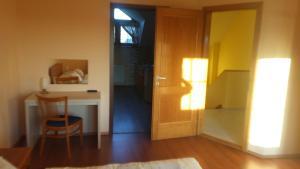 Ciklámen apartman, Apartmanok  Gyenesdiás - big - 17