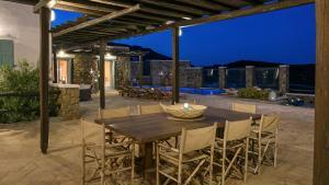 Mykonos Panormos Villas & Suites, Ville  Panormos Mykonos - big - 97