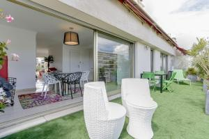Wonderful fully renovated 2BR on the last floor., Apartmány  Cannes - big - 15