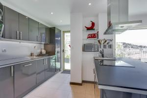 Wonderful fully renovated 2BR on the last floor., Apartmány  Cannes - big - 13