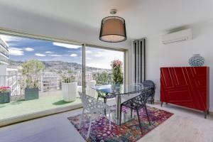Wonderful fully renovated 2BR on the last floor., Apartmány  Cannes - big - 11