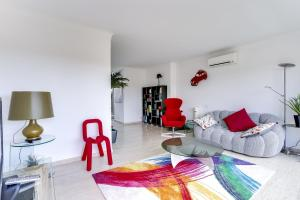 Wonderful fully renovated 2BR on the last floor., Apartmány  Cannes - big - 9