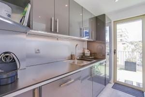 Wonderful fully renovated 2BR on the last floor., Apartmány  Cannes - big - 8