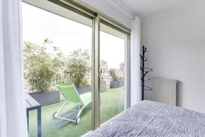 Wonderful fully renovated 2BR on the last floor., Apartmány  Cannes - big - 7