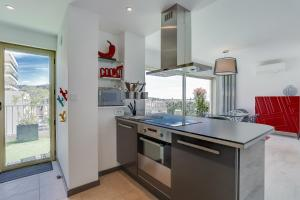 Wonderful fully renovated 2BR on the last floor., Apartmány  Cannes - big - 6