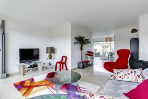 Wonderful fully renovated 2BR on the last floor., Apartmány  Cannes - big - 3