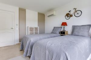 Wonderful fully renovated 2BR on the last floor., Apartmány  Cannes - big - 2