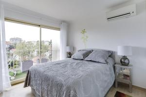 Wonderful fully renovated 2BR on the last floor., Apartmány  Cannes - big - 22