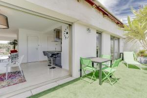 Wonderful fully renovated 2BR on the last floor., Apartmány  Cannes - big - 20