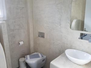 Ira Apartments & Studios Kamari(Kamari)