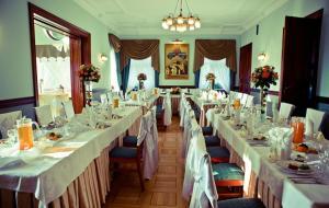 Zamek von Treskov, Hotels  Strykowo - big - 30