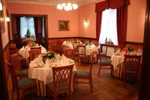 Zamek von Treskov, Отели  Strykowo - big - 31