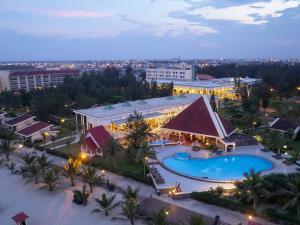 Centara Sandy Beach Resort Danang, Курортные отели  Дананг - big - 28