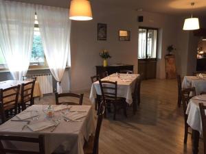 La Locanda dei Ciciu, Hotel  Villar San Costanzo - big - 14
