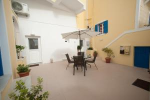 Lefteris Traditional Rooms (Fira)