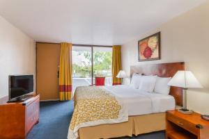 Days Inn & Suites Clermont