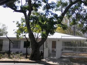 Karob House, Guest houses  Franschhoek - big - 19