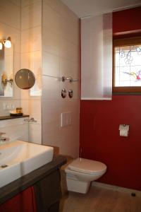 Landhaus Vogelweide - 2 Zimmer mit Balkon, Apartments  Bad Füssing - big - 16