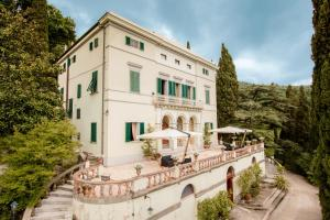 Prenota Villa Alta