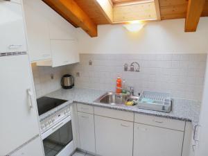 Apartment Wohnung Violett