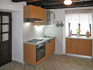 Haus Katarina 140S, Holiday homes  Potpićan - big - 2