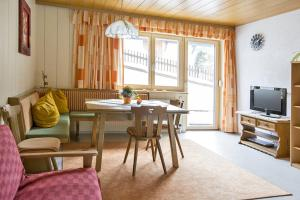 Haus Johnannes Mangard, Ferienwohnungen  Sankt Gallenkirch - big - 3