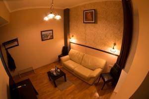 Отель Особняк на Карла Маркса - фото 4
