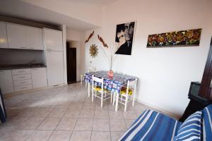 Ginepro Giallo, Holiday homes  Costa Paradiso - big - 22