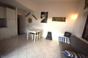 Ginepro Giallo, Holiday homes  Costa Paradiso - big - 28