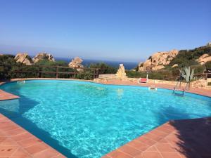 Ginepro Rosso, Ferienhäuser  Costa Paradiso - big - 6