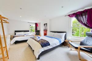 obrázek - Dorine's 3 Bed Family Flat