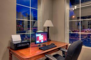 University Park Inn & Suites, Hotel  Davis - big - 16