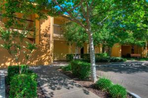 University Park Inn & Suites, Hotel  Davis - big - 24
