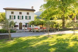 Ostello & Camping Riposo - Accommodation - Losone