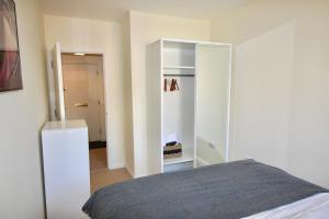 Marlborough Court Apartments, Апартаменты  Эпсом - big - 58