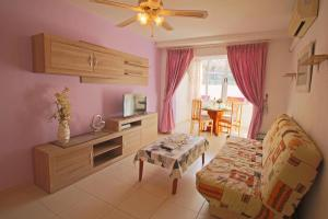 Holiday Apartment Apolo III, Apartmanok  Calpe - big - 13