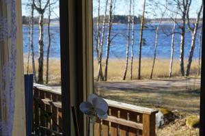 Vacation house next to Lake Vänern, Holiday homes  Gullspång - big - 6