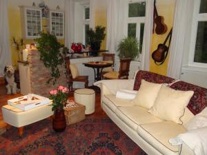 Romantik-Villa LebensART, Apartments  Reichenfels - big - 9
