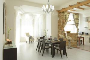 Luxury apartment on Khreschatyk