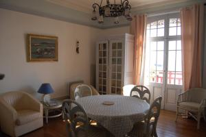 Appartement Ker Cast, Apartmány  Saint-Cast-le-Guildo - big - 17