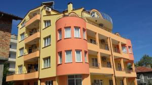 Zlatevi Guest House