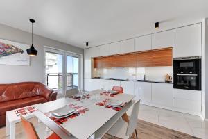 Apartamenty Apartinfo Ocean Waves, Apartments  Gdańsk - big - 11