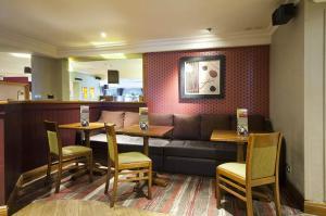 Premier Inn Glasgow Airport, Hotels  Paisley - big - 23