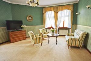 Zamek von Treskov, Hotels  Strykowo - big - 3