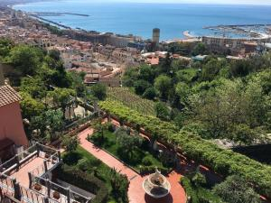 Suite Aphrodite - Exclusive Flat, Appartamenti  Salerno - big - 57