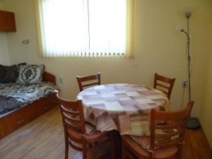 Orange Apartment, Apartmanok  Veliko Tarnovo - big - 2
