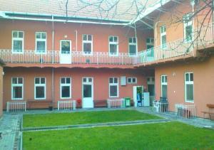 Season Hostel(Budapest)