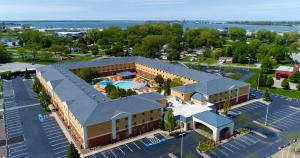 Cedar Point's Express Hotel, Hotels  Sandusky - big - 1